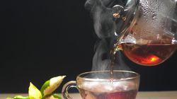 Vous faites chauffer votre thé au micro-ondes? Vous avez tout faux, selon cette