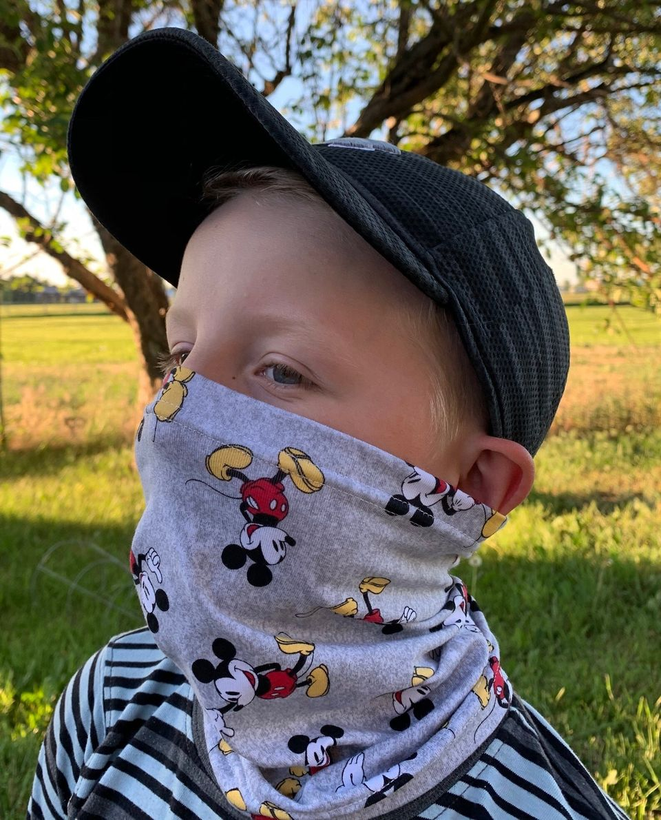 These Neck Gaiters For Kids Are Easy To Pull On And Take Off | HuffPost Life