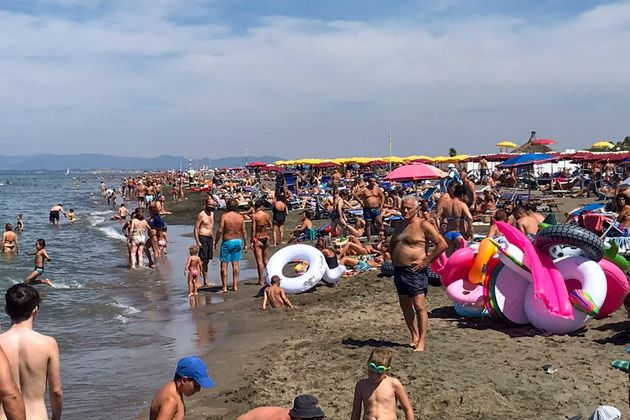 Παραλία στο Φρετζένε της Ιταλίας έξω από τη Ρώμη (26 Ιουλίου 2020)