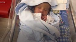 베이루트 폭발로 병원이 무너진 와중에도 아기가