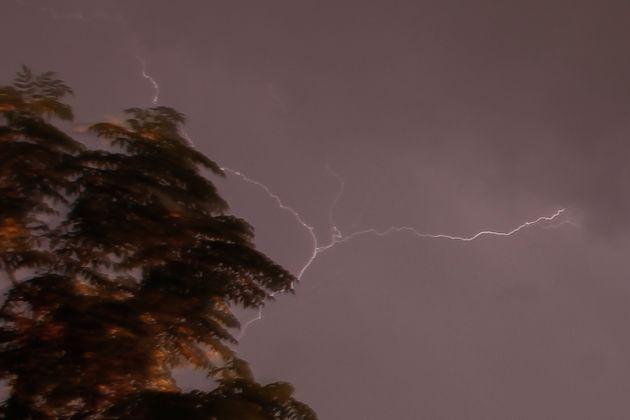 Καιρός: Που φέρνει βροχές και καταιγίδες η