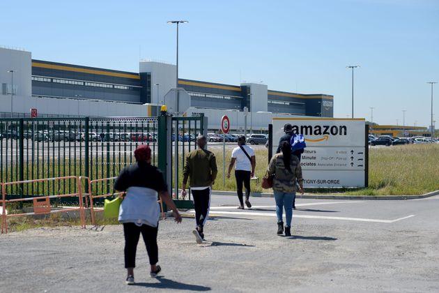 Amazon annonce une prime de 500 à 1000 euros pour les employés français (Photo:...