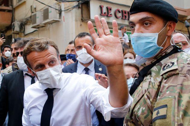 Emmanuel Macron dans les rues de Beyrouth ce jeudi 6