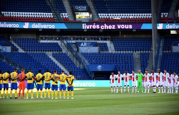 Avant le coup d'envoi du match amical PSG-Sochaux, au Parc des Princes à Paris, le 5 août