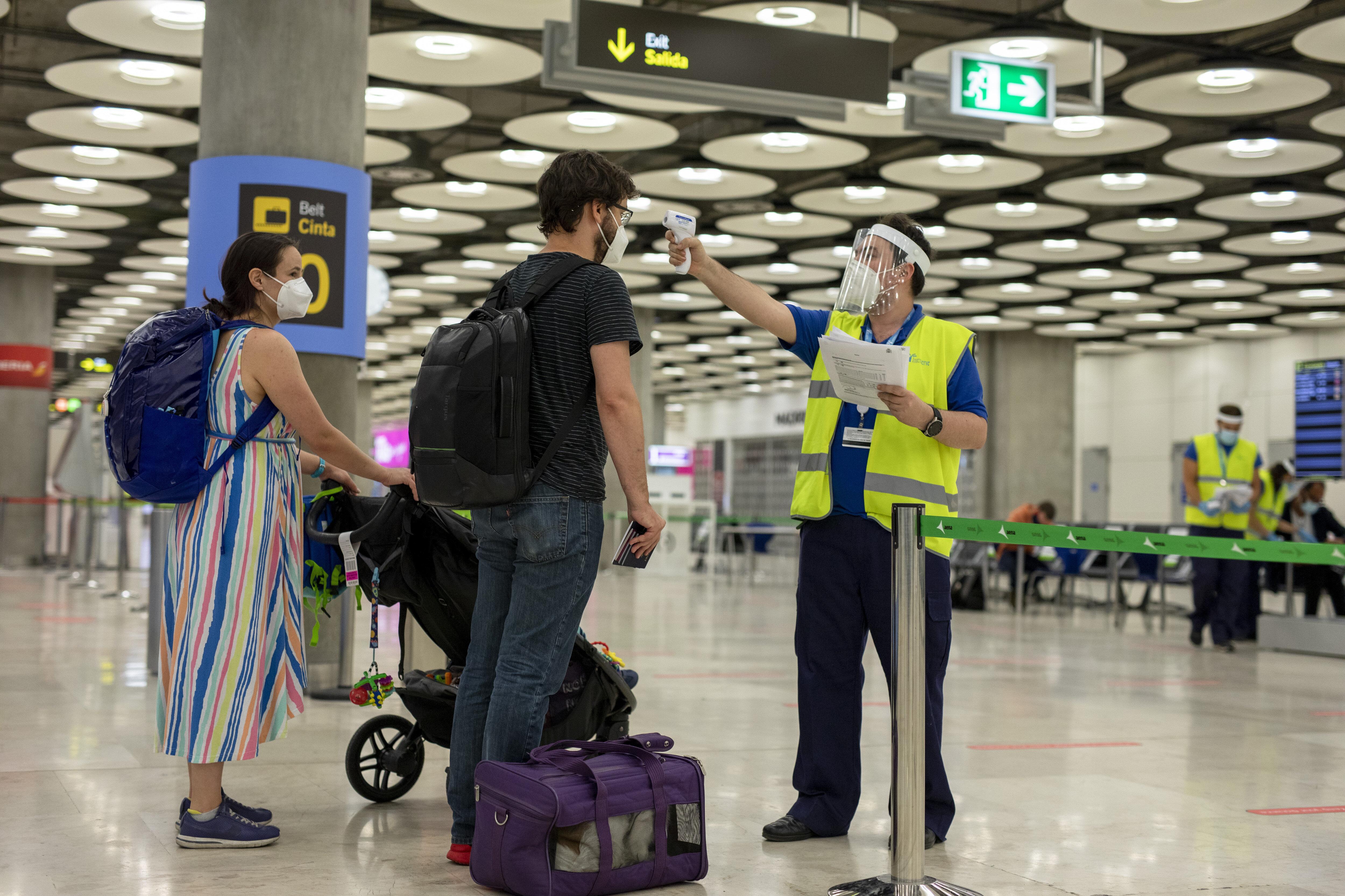 Austria y Dinamarca se suman a las restricciones de viaje a España