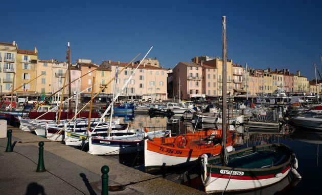 Le port de Saint-Tropez, ici le 14 avril, sera concerné par l'obligation du port du masque à