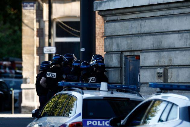 Γαλλία: Κατάσταση ομηρίας στη