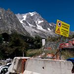 Un glacier du Mont Blanc sur le point de s'effondrer en