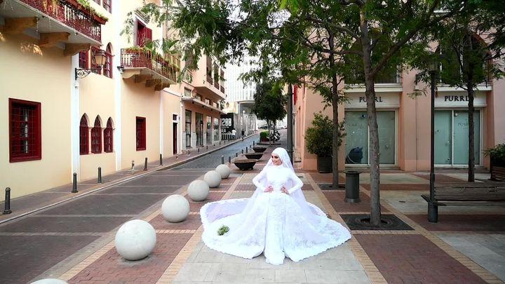A shot from photographer Mahmoud Nakib's wedding photoshoot, before the blast occurred.
