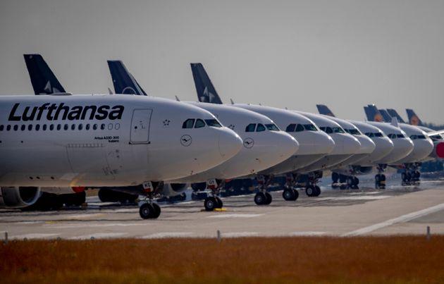 루프트한자의 전망 : 코로나 이전 수준으로 비행기 여행객수 회복되려면 2024년은 되어야 한다