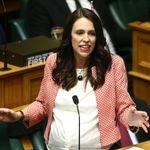 가부장제 사회의 여성 정치인들이 '남성들의 규칙에 반해' 옷을 고르는 법