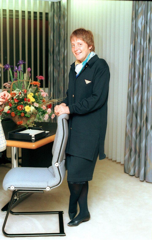 1991년 10월 11일 앙겔라 메르켈은 독일의 여성 및 청년 장관으로 취임했다.