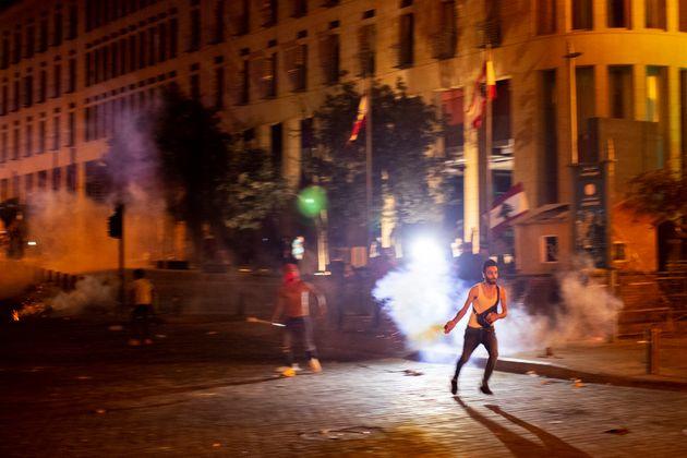 Άγρια καταστολή στον Λίβανο κατά εξοργισμένων διαδηλωτών για την φονική έκρηξη στη