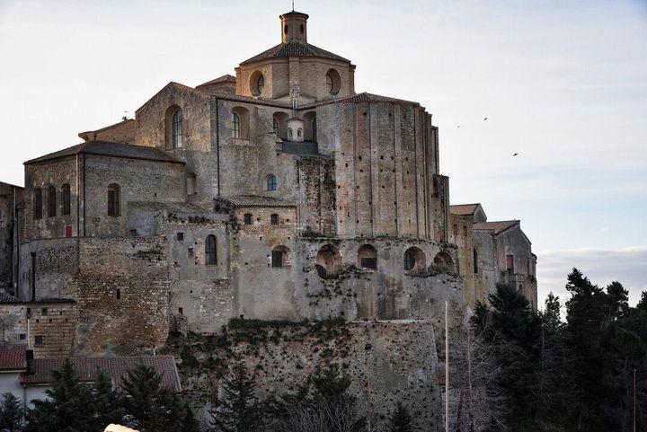 La cattedrale di Santa Maria Assunta, il duomo di Irsina conosciuto grazie alla statua di Sant'Eufemia realizzata da Andrea Mantegna