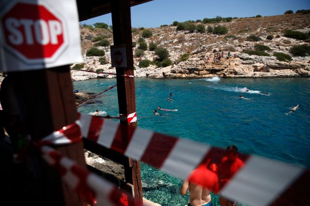 Ταξιδιωτική προειδοποίηση ΗΠΑ για Ελλάδα: «Ξανασκεφτείτε το, πριν ταξιδέψετε