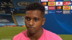 El ridículo mayúsculo de un jugador del Madrid cuando le preguntan por qué ponía