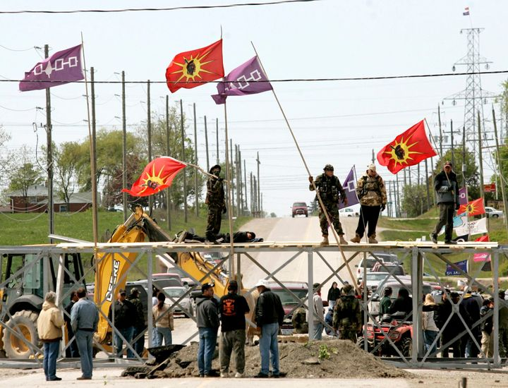 Six Nations land defenders previously set up baracades in Caledonia, Ont. 14 years ago.