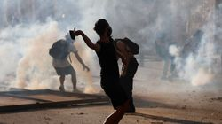 Protesters In Beirut Storm Foreign Ministry Amid Fury Over Massive