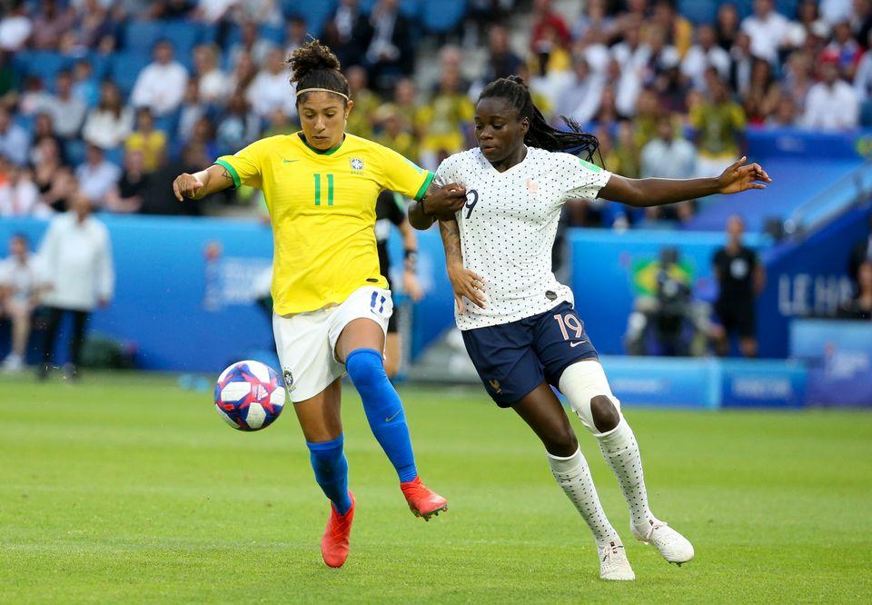 Cris Rozeira em partida nas oitavas de final da Copa do Mundo Feminina de 2019 entre França e...