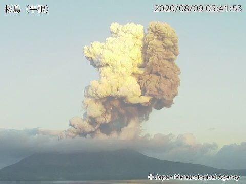 桜島が噴火 噴煙は火口上5000mまで上昇
