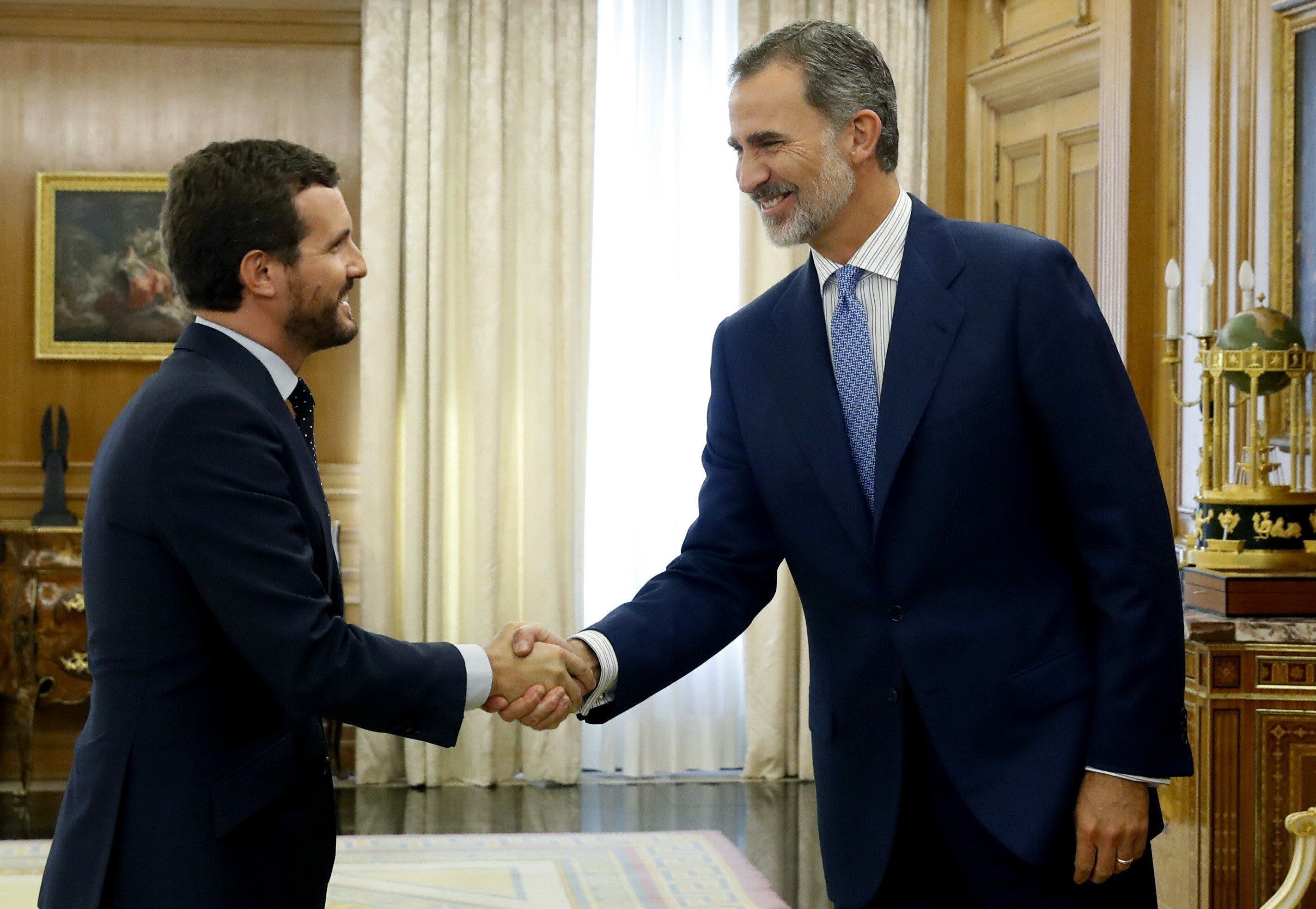 Pablo Casado: «La monarquía es el pilar de nuestra convivencia y de nuestro futuro»