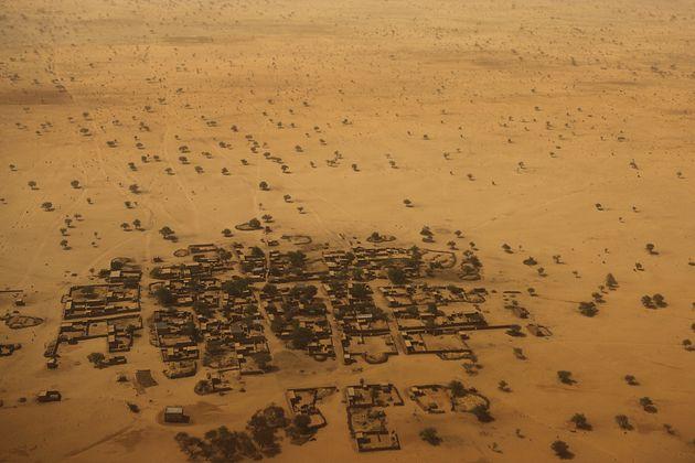 Attacco contro gruppo di turisti in Niger, otto morti. Trucidati sei turisti francesi