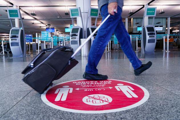 Ottawa prévient les voyageurs qu'ils pourraient rester plus longtemps dans leur destination...