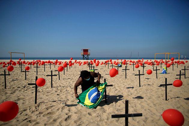 Brasil avançou de 12º para 11º país com mais mortes e casos por milhão...