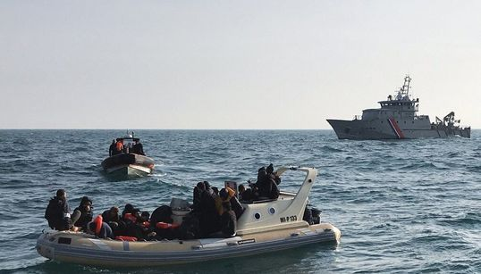 Pourquoi les traversées de la Manche se multiplient (et tendent les relations