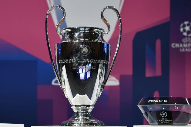 Le trophée de la Ligue des champions, ici exposé à Nyon en Suisse, le 16 décembre