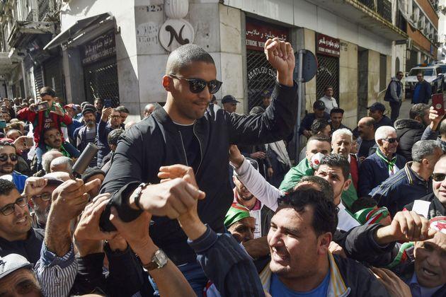 En Algérie, le journaliste Khaled Drareni écope de trois ans de prison (photo: Khaled Drareni...