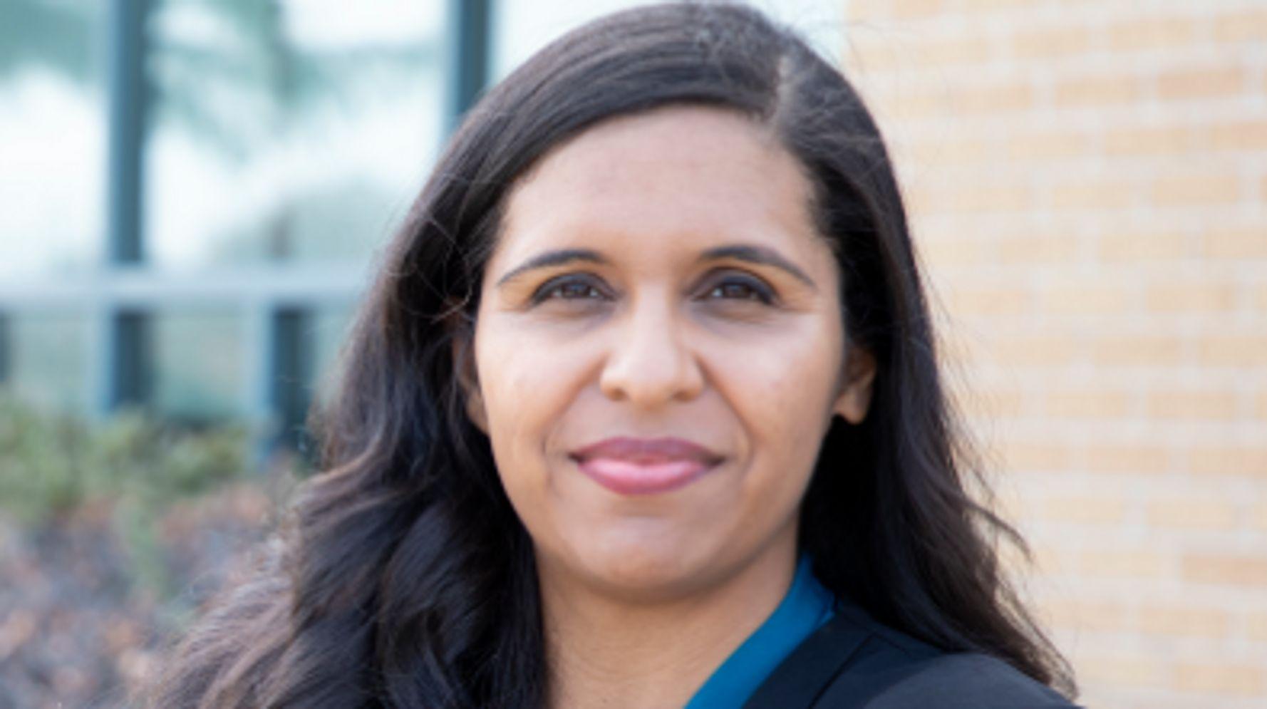 Progressive Candace Valenzuela Concedes House Race In Texas Against Beth Van Duyne