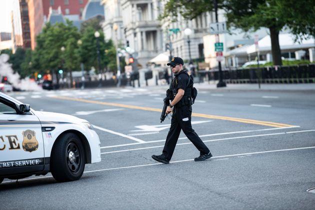Πυροβολισμοί έξω από τον Λευκό Οίκο και lockdown κατά τη συνέντευξη Τύπου του