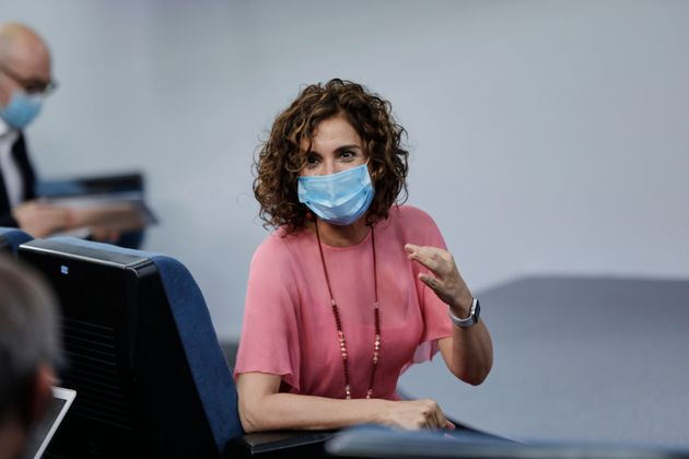 La ministra de Hacienda y portavoz del Gobierno, María Jesús Montero, en una rueda de prensa...