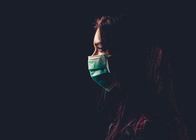 """""""Noi, vittime di violenze, non riusciamo ad indossare la mascherina e veniamo stigmatizzate per questo"""""""