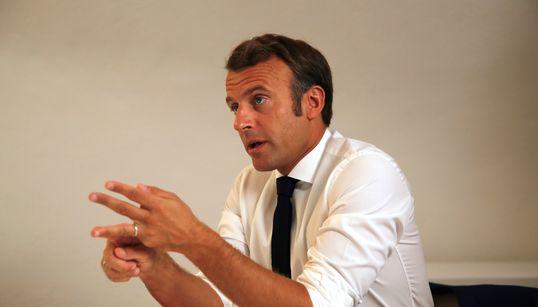 """Macron et Castex haussent le ton contre un """"crime odieux"""" au"""
