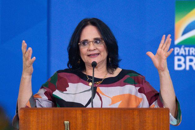 Ministra da Mulher, Família e Direitos Humanos, Damares Alves no lançamento da