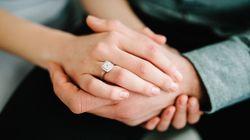 Face aux restrictions liées au Covid, un couple suédo-norvégien se marie sur la