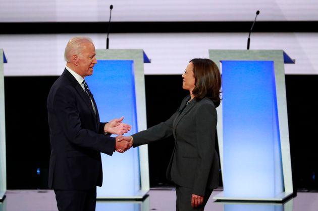 Joe Biden et Kamala Harris, ici pendant la campagne de la primaire, sont désormais colistiers...