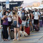 Κορονοϊός: Στα 36 χρόνια ο μέσος όρος των κρουσμάτων τον Αύγουστο στην