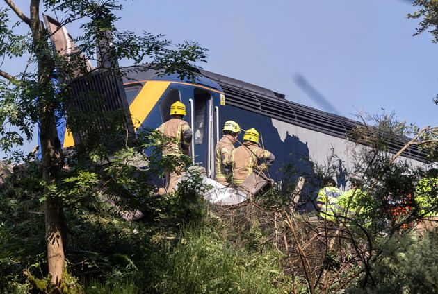 Stonehaven Crash: Three Dead And Six Taken To Hospital After Train Derails In Aberdeenshire