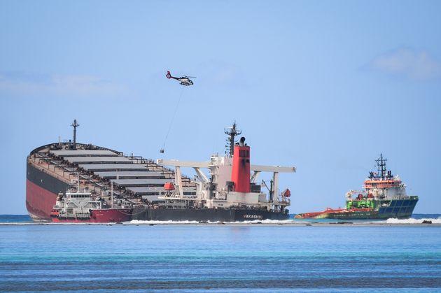 Le MV Wakashio, échoué au large de l'Île Maurice, ici photographié le 11 août