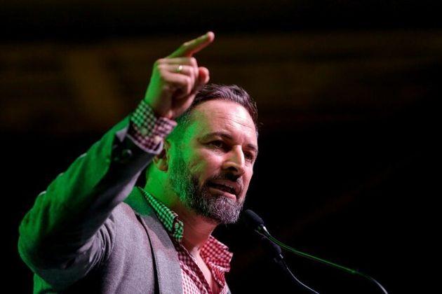 El líder del partido de extrema derecha Vox, Santiago Abascal, en un mitin en Hospitalet del Llobregat,...