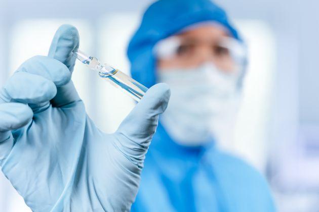 """Farmaco prodotto da anticorpi Covid ha successo: """"Primi pazienti dimessi"""""""
