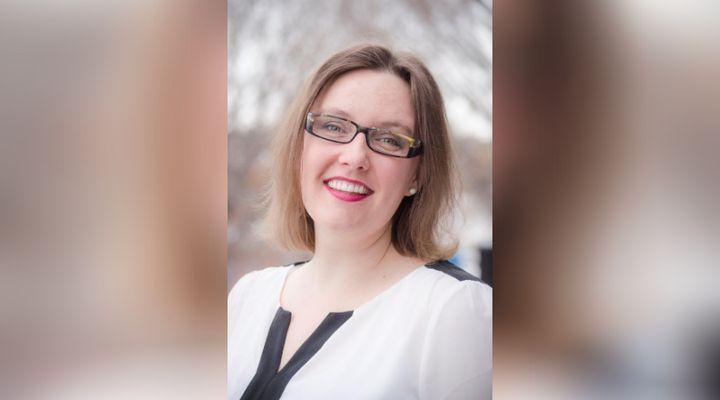 Carrie Demmans Epp enseigne l'informatique à l'Université de l'Alberta. Elle tente de fournir des options flexibles aux étudiants pour les cours en ligne.