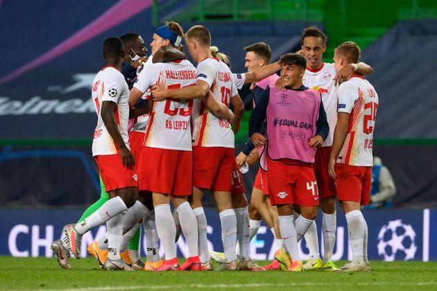Los jugadores del Leipzig celebran la