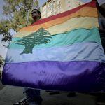 População LGBT luta para recuperar centros de apoio que foram destruídos em