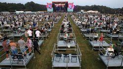 Il primo concerto post-Covid: in 2500 sulle piattaforme distanziate in Inghilterra