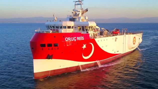 Άλλαξε πάλι πορεία το τουρκικό ερευνητικό πλοίο «Oruc