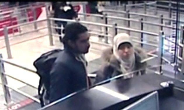 Mehdi Belhoucine et Hayat Boumeddiene à l'aéroport Sabiha Gökçen d'Istanbul, le 2 janvier